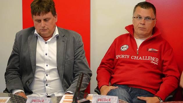 Struktura klubu je stejná. Předsedou představenstva zůstává Milan Nedvěd (vlevo) a předseda dozorčí rady je nadále Petr Hubacz.