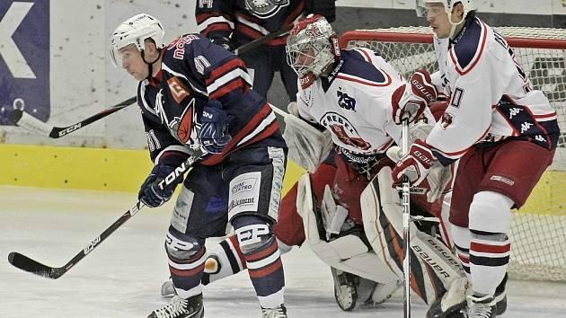 Chomutovští hokejisté v základní části nad Rebely třikrát zvítězili a i ve čtvrtfinále jsou velkými favority. Havlíčkův Brod se jim ale bude snažit cestu do semifinále co nejvíce ztrpčit.