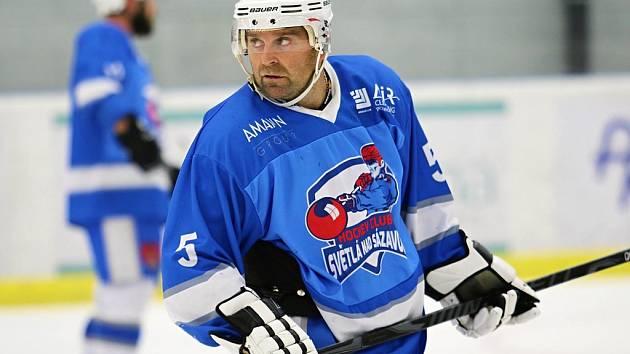 Premiéru ve světelském dresu si proti Poličce odbyl čtyřicetiletý Jan Fibikar.