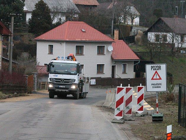 Ve Stříbrných Horách pokračují stavební práce.