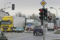 Nová světelná křižovatka na Masarykově ulici v Brodě.