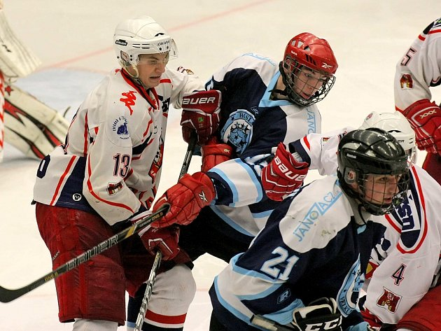 Nájezdy rozhodly o prohře mladšího dorostu HC Rebel proti Českým Budějovicím. Získaný bod zachraňoval v poslední minutě zápasu Pejchal.