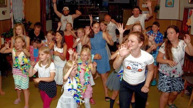 Prázdninové soustředění dětského folklorního souboru Kalamajka.