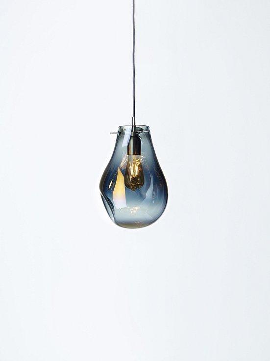 Světeltská sklárna Bomma dnes patří k nejmodernějším sklárnám v Evropě a její designové výrobky sklízí úspěchy po celém světě.
