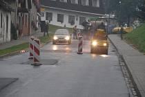 Před třemi lety byla v Havlíčkově Borové za miliony korun kompletně opravena ulice Pivovarská, která je hlavním tahem obcí. Místní obyvatelé nejsou spokojeni ani s její reklamací, kterou si od dodavatele vyžádal Kraj Vysočina.