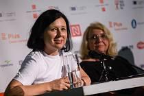 Beseda na Letní žurnalistické škole Karla Havlíčka Borovského s eurokomisařkou Věrou Jourovou a novinářkou Lídou Rakušanovou, kterou moderoval novinář Jindřich Šídlo.