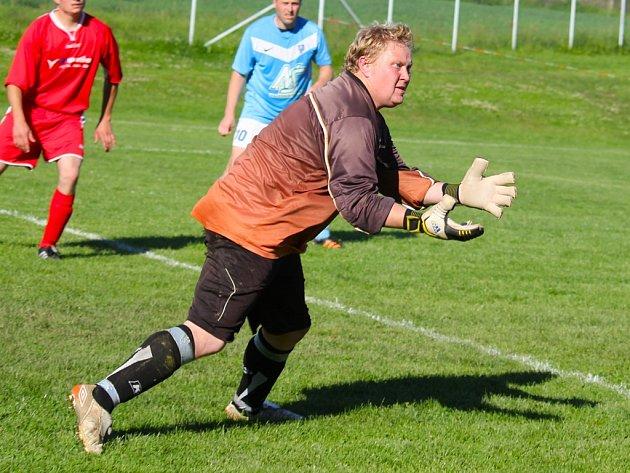Čisté konto podruhé v sezoně uhájil pohledský gólman Jan Růžička (na snímku). Se svými spoluhráči se radoval z přesvědčivého vítězství nad Novým Rychnovem 3:0.