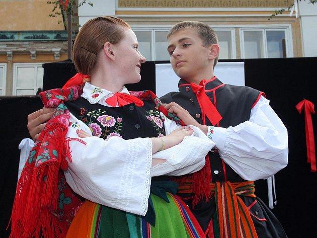 Ve Světlé se představí nejen soubory z Vysočiny, ale také z Moravy, Polska a Srbska. Hlavní festivalová přehlídka je na programu v sobotu.