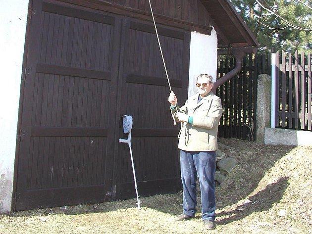Ve Stříbrných Horách, které leží nedaleko Přibyslavi, se mohli dlouhou dobu pochlubit unikátní zajímavostí. Umíráček zde vyzváněli zvoníci. Ty však nahradí automatika.