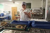 Díky centrální sterilizaci jsou všechny nástroje, které se používají lékaři v nemocnici během operací bezpečné.