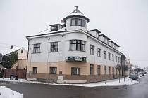 Zrušená ambulance ortopedie v Golčově Jeníkově.