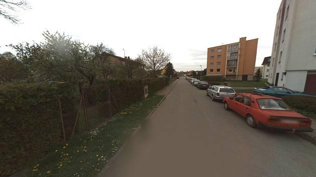 Parkovišť je ve Ždírci málo a o volná místa se vede boj.