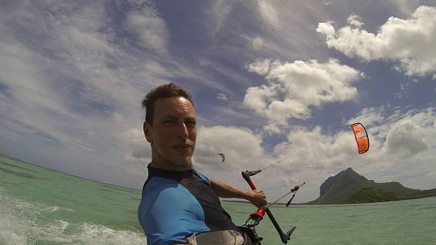 Kiteboardingu se Tomáš Trnka věnuje už šestnáct let. Foto: archiv T. Trnky