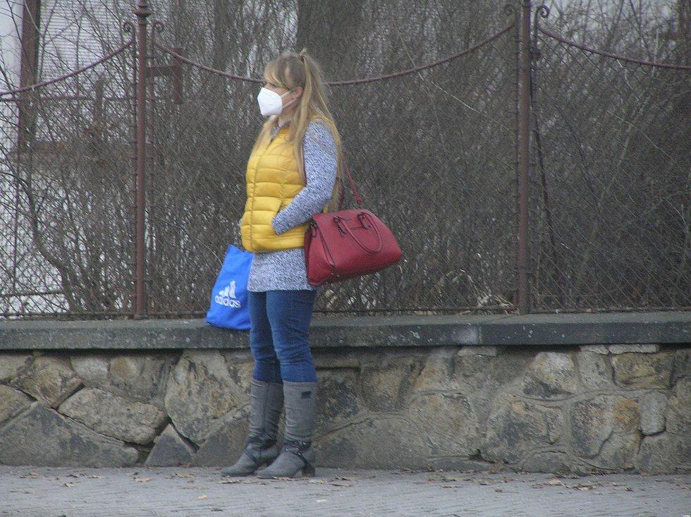 Povinné respirátory budou provázet obyvatele Vysočiny od prvního dne lockdownu.