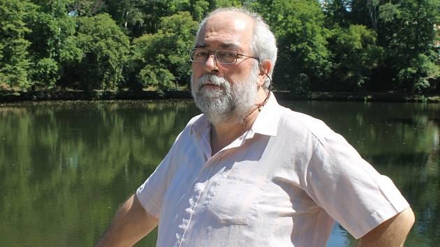 Analytik Jan Schneider z Brodu.