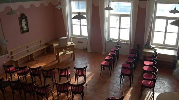 Krupská škola v červnu otevře historickou učitelskou světnici.