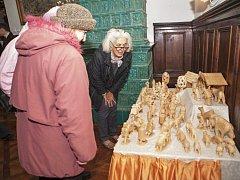 Součástí vánoční výstavy v chotěbořském městském muzeu je samozřejmě i vyřezávaný betlém.