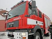 Postavit účelnou protipovodňovou hráz není žádná legrace. Proto se tomuto tématu věnovali dobrovolní hasiči v rámci odborné přípravy.