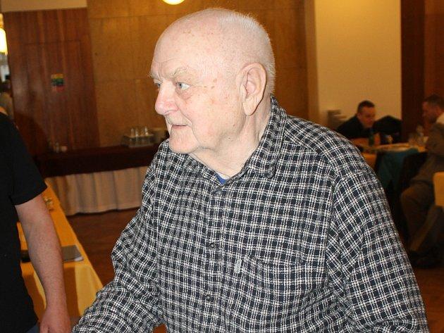 Čestné členství v TJ Jiskra Havlíčkův Brod dostal jeden ze zakladatelů brodského basketbalu Ervín Bacík (na snímku), dále Jan Šedý a novinářský nestor Alois Svoboda.