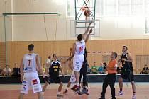 Parádní představení viděli fanoušci basketbalu v ledečské sportovní hale, kde v přípravném zápase porazily Pardubice slovenský Inter Bratislava o pět bodů.