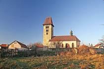 POTŘEBUJE OPRAVY. Historie kostela v Chřenovicích sahá až k sázavským mnichům.