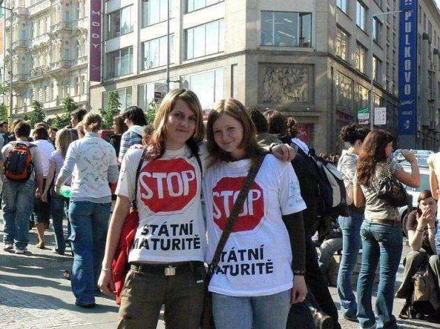 A je to tady. Středoškoláci započali demonstraci na Václavském náměstí.