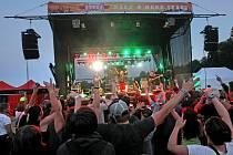 Jubilejní patnáctý ročník multižánrového hudebního festivalu Sázavafest.