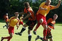 Zdánlivě bezvýchodná situace štockých fotbalistů se v závěru letošní soutěže zlepšila natolik, že záchrana není přece jen tak vzdálená. Hodně napoví nedělní střetnutí ve vlastním prostředí s Rantířovem, kdy výhra je přímo povinností.