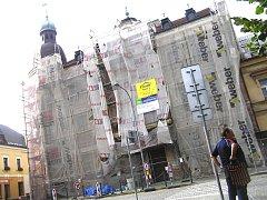 Nová fasáda na budově gymnázia v Ledči by měla být během dvou let.