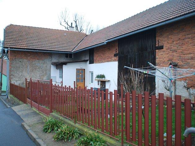 V tomto domě v Habrech na Havlíčkobrodsku bydlí Mária Očenášová, která se 18. prosince ztratila. Žena dodnes nebyla nalezena.