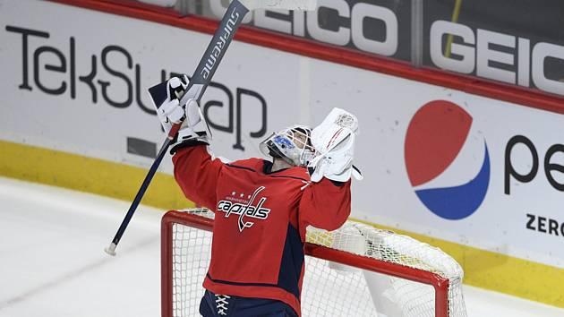 Brankář hokejistů Washingtonu Vítek Vaněček vychytal proti New York Islanders svoji druhou letošní nulu.