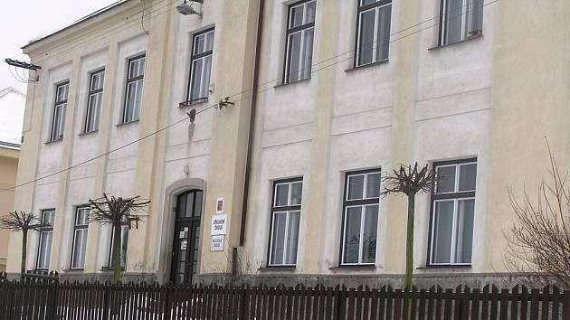 Škola v Uhelné Příbrami.