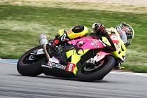 Suverenitu potvrdil v seriálu Alpe Adria brodský motocyklový závodník Michal Prášek, který tuto soutěž vyhrál podruhé v řadě a ještě před zářijovým podnikem Slovakiaringu.