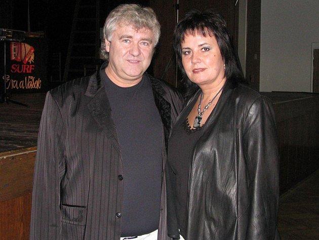 Eva a Vašek si pro brodské publikum nachystali pestrou paletu oblíbených písní ze svého širokého repertoáru.