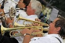 V rámci zpestření kulturního života v Jihlavě se na promenádním koncertě představil dechový orchestr Sklenařinka.