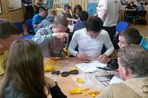 Partnerská škola zvolila pro společné setkání jako téma výrobu robotů.