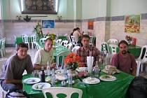 Ochutnat speciality ano, ale ... Odvážní cestovatelé, včetně zástupců z Havlíčkobrodska, loni cestovali po Íránu. Ochutnali řadu specialit, které naštěstí jejich žaludek unesl.