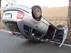 Nehoda se zraněním u Modlíkova.