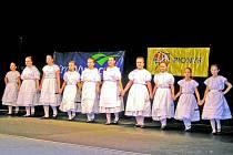 V přehlídce dětských folklorních souborů v Přibyslavi nemohla v sobotu samozřejmě chybět ani havlíčkobrodská Kalamajka.