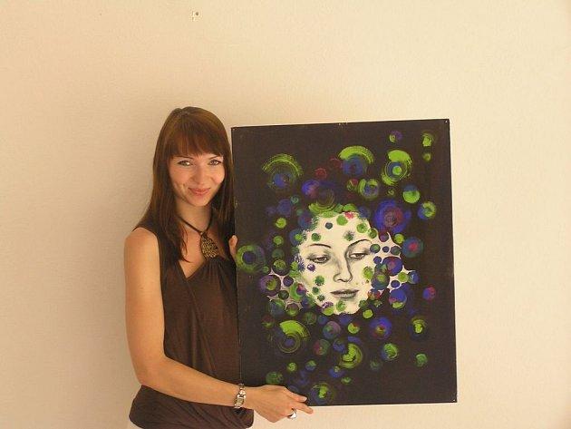 Nepropásněte jedinou možnost. Jinde než v Přibyslavi Katarina Radosa vystavovat nebude. Obrazy jsou k mání, nejdražší by se měl pohybovat okolo 350 euro.