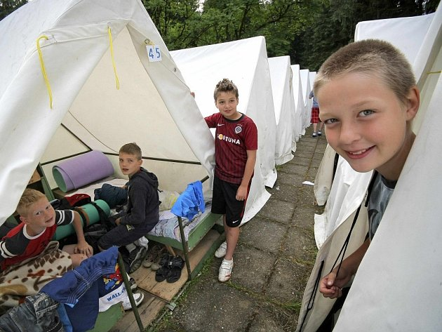 Tábor ve Sluneční zátoce u Ledče nad Sázavou.