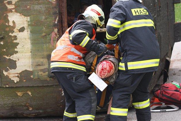 Záchranáři si procvičili zásah u železniční dopravní nehody.