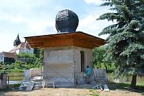 Turecký pavilon již s novou omítkou před štukováním.