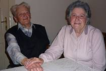 Jaroslav a Marie Madrachovi žijí společně vHavlíčkově Borové už padesát let. A to, že se tu daří jim i jejich rodině, připisují s úsměvem místní dobré vodě.