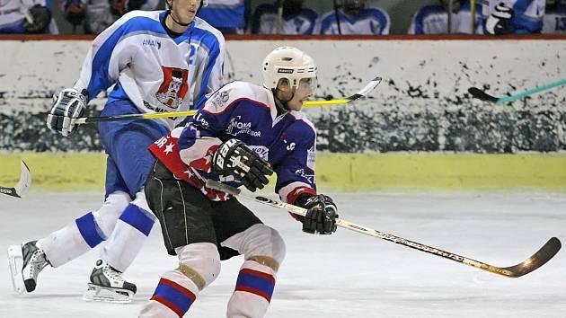 Chotěbořští hokejisté dali všech devět branek při nestandardním počtu hráčů na ledě. Pětkrát se trefili v přesilovce, čtyři trefy pak přidali ve vlastním oslabení.