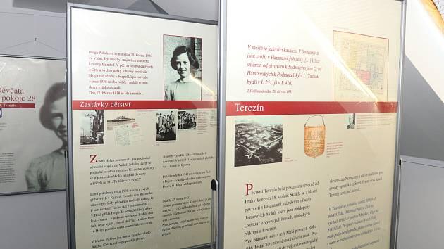 Ve světelské galerii Na Půdě jsou k vidění dvě putovní výstavy zapůjčené Židovským muzeem v Praze.