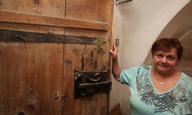 Za gotickými dveřmi se v Ledči pekl chléb pro vojáky