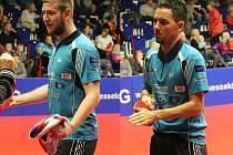 Havlíčkobrodští stolní tenisté Pavel Širuček (vlevo) a Tomáš Tregler na mistrovství ČR v Jablonci vypadli v singlu už ve druhém kole. To, co jim nevyšlo v singlu, jim vyšlo ve čtyřhře mužů, kde se stali mistry republiky.