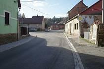 Jak vypadá ulice Hrnčíře v Ledči nad Sázavou dnes, a jak po povodni.