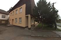 Knihovna v Krucemburku teď sídlí v budově zdravotního střediska.